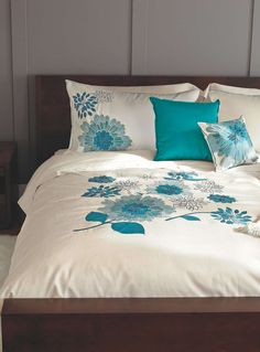 Duvet Covers Canada: Shop Online for a Duvet Cover & Sets Tropical Bedroom Decor, Home Decor Bedroom, Turquoise Duvet Cover, Bed Cover Design, Men Home Decor, Turquoise Room, King Sheets, Ideas Hogar, Bed Styling