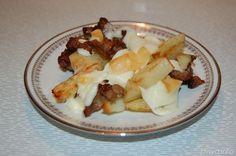 Patate con salsiccia e scamorza
