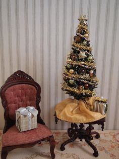 Dollhouse Christmas Tree