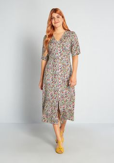 Fruit dress Search Results | ModCloth 40s Fashion, Fashion Sale, Fashion Over 50, Cotton Dresses, Cute Dresses, Vintage Dresses, Formal Dresses, Green Midi Dress, Floral Midi Dress