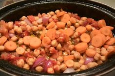 ΜΑΓΕΙΡΙΚΗ ΚΑΙ ΣΥΝΤΑΓΕΣ: Ρεβιθάδα αρωματική φούρνου !!! Chili, Beans, Food And Drink, Baking, Vegetables, Recipes, Soups, Nice, Chile