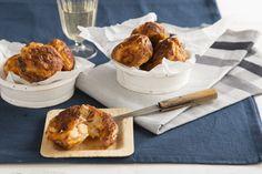 Oviebollen recept: voeg ham en kaas toe. Zo heb je een heerlijk hartig borrelhapje!