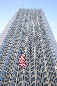 En #Miami, además de increíbles playas y rincones verdaderamente tropicales, hay asombrosos rascacielos que vuelven a la ciudad, una de las más modernas del mundo. http://www.bestday.com.mx/Miami-area-Florida/ReservaHoteles/