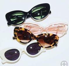 Accesories, Jewerly & Fashion: The trend of vintage sunglasses and how to use them by Nat Cebrián Fashion 60s, Woman Fashion, Catwalk Fashion, Latest Fashion, Style Fashion, Fashion Trends, Lunette Style, Trending Sunglasses, Four Eyes