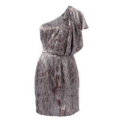 Yılan derisi baskılı, tek omuzdan drapeli elbise sizleri Forever New mağazalarında bekliyor.
