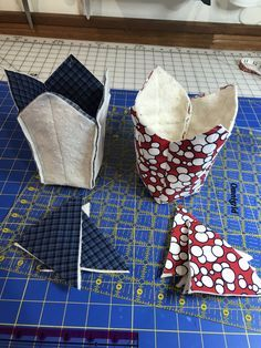 Sewing Hacks, Sewing Tutorials, Sewing Ideas, Quilt Tutorials, Fabric Crafts, Sewing Crafts, Sewing Headbands, Sewing To Sell, Fabric Bowls