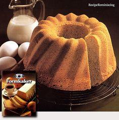 Almond Cake in Ring Mould / Mandelkake i Randform