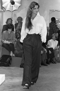 look here — Donna Karan, Fall-Winter 1985 Next Fashion, 80s Fashion, Runway Fashion, Fashion Models, Vintage Fashion, Fashion Outfits, Womens Fashion, Fashion Tips, Fashion Trends