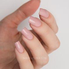 Dior-Kingdom-Colors-Vernis-Lady-294-nail-art-swatch