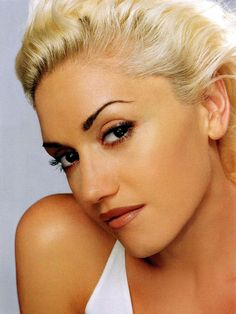 Gwen Stefani is hot without trying, grrrl without faking, and talented enough to warrant her fame. Girl cunts take note