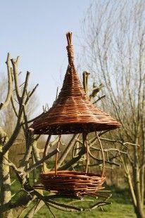 Mangeoire pour oiseaux en osier  : Accessoires de maison par les-chemins-de-l-osier
