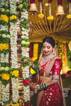 south indian bridal look in a red kanjivaram and waistbelt Indian Bridal Sarees, Pakistani Bridal Dresses, Indian Wedding Planning, Indian Wedding Outfits, Wedding Sarees Online, Saree Wedding, Indian Wedding Photography Poses, Indian Gowns Dresses, Blue Lehenga