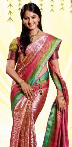 Anushka Loves Hot Looking Photos of Anushka Shetty in Saree Beautiful Girl Indian, Most Beautiful Indian Actress, Beautiful Saree, Indian Beauty Saree, Indian Sarees, Anushka Shetty Saree, Madhuri Dixit, Indiana, Mallika Sherawat Hot