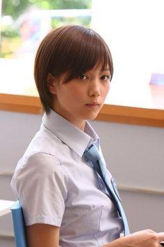神崎 麗美というか、バッサーはショートカットクラスタには広末涼子に匹敵するレベルの可愛さだと思う。
