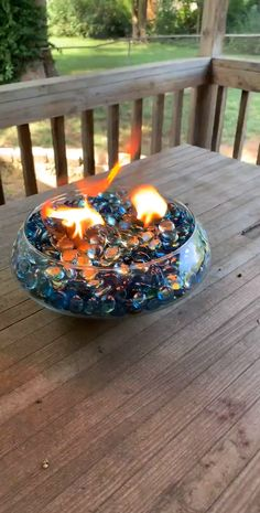 DIY Tabletop Fire Pit This tabletop fire pit is so easy to make and is Great for repelling mosquito's! Tabletop Fire Bowl, Fire Pit Table, Diy Fire Pit, Diy Propane Fire Pit, Indoor Fire Pit, Cool Fire Pits, Big Backyard, Fire Pit Backyard, Backyard Seating
