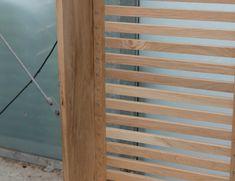 Maak een eiken radiatorombouw | Stappenplan Radiator Cover, Room Dividers, Crate, Wood Art, Ideas Para, Diy Furniture, Projects To Try, Outdoor Structures, Bedroom