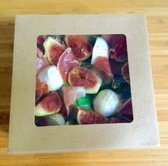 Figues, jambon cru & crème de balsamique à la fraise. Dans une boîte alimentaire http://www.laboutiquedujetable.fr/86-boite-salade