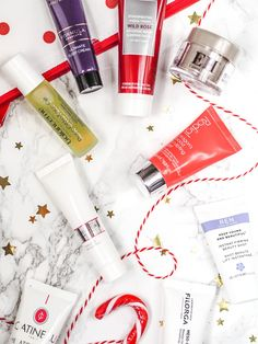 Review: The Marks & Spencer Beauty Advent 2017   Ok so this was meant to be a blogmas post but unfortunately I definitely didn't give myself enough time to edit the photos and write the post. Better late than never I say!  I reigned myself in this year and just bought the one beauty advent calendars shocker I know but maternity pay is a bugger! Anyway I have tried to link everything I could I also haven't actually used everything yet so there will be no reviews this time round. Sorry! I…