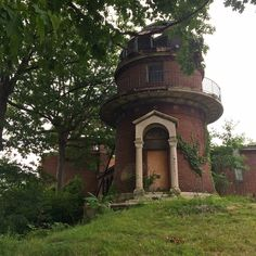 1. A 1920s Abandoned Star-gazer     A university observatory built in 1920 on Hanover Drive in East Cleveland. Its last owner was sent to jail for fraud before he could turn it into a luxury home.        More info & photos found here.    2. A Fake Town That Became Real  Agloe w