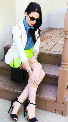 neon skirt & white blazer w longer skirt Neon Skirt, Skater Skirts, Rachel Bilson, Sheik, White Skirts, Victoria Beckham, Color Pop, Fashion Jewelry, Blazer
