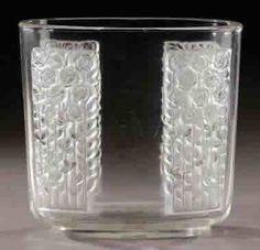 R. Lalique Vase Quarante Roses