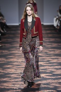 Etro Woman Autumn Winter 16-17 Fashion Show - Discover more: http://www.etro.com/en_it/world-of-etro/woman-collection-aw1617