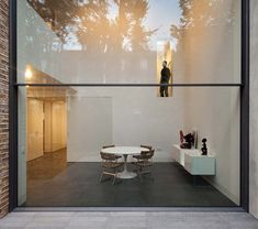 Bassett Road House by Paul O Architects