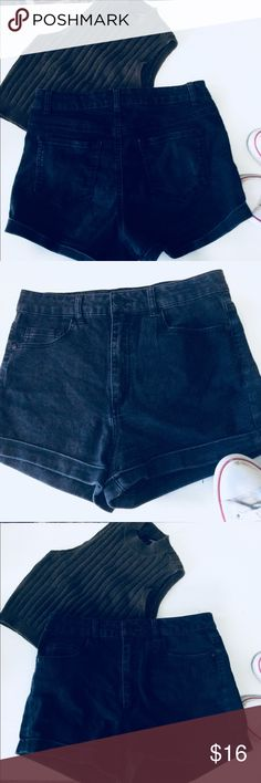 Cute black shorts These black shorts are perfect for your everyday summer wardrobe paired with sandals, or sneakers. Forever 21 Shorts Jean Shorts