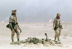Gulf War 1990 91 Photos Pictures and Photos - Getty Images Military Life, Military Art, Storm Images, Ancient Egyptian Tombs, War Photography, Army Love, American Soldiers, Warfare, Camouflage