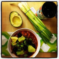 damn good chili w/ cooking fat, onion, carrot, zucchini, yellow squash, ground beef, garlic, chile powder, paprika, red pepper flakes, cumin, diced tomatoes, tomato sauce, beef broth, apple cider vinegar & bell pepper, serve w/ avocado, black olives & diced scallions (paleo, whole30-compliant)