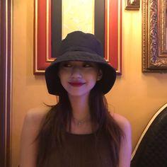 Cute Girls, Cool Girl, Very Pretty Girl, Kim Doyeon, Ulzzang Korean Girl, Uzzlang Girl, How To Pose, Aesthetic Girl, Girl Photography
