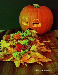 This is Halloween Nachos, Pumpkin Carving, Vegetables, Food, Bricolage Halloween, Vegetable Recipes, Eten, Pumpkin Carvings, Veggie Food