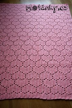 Crochet Square Blanket, Crochet Pillow, Crochet Squares, Crochet Blanket Patterns, Baby Blanket Crochet, Crochet Stitches, Crochet Baby, Stitch Patterns, Knit Crochet
