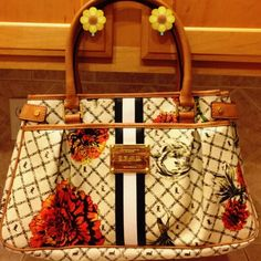 e4d70cf5b911 Selling this L.A.M.B. Marigold