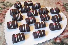 Σοκολατάκια φουντουκιού με κράνμπερι. Εθιστικά σοκολατάκια με κράνμπερι και φουντούκια...