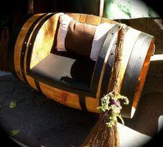 Original asiento aprovechando un viejo barril de vino.