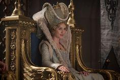 Hannah New as Queen Leila in Maleficent - 2014 Maleficent 2014, Maleficent Movie, Period Costumes, Movie Costumes, Hannah New, Sleeping Beauty 1959, Sleeping Beuty, Leila, Fairytale Fashion
