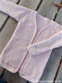 Renate's Crochet and all: Warm vest for daughter Crochet Saco, Crochet Vest Pattern, Knit Cardigan Pattern, Jacket Pattern, Crochet Cardigan, Knitting Patterns, Crochet Patterns, Crochet Baby Clothes, Baby Vest