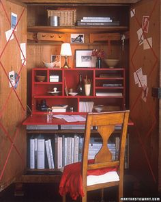 We have a small corner for our home office -- this would be perfect.  Close it up out of sight when not in use!