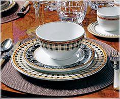 Conjunto de xícaras para chá com pires tartan   Westwing   Westwing Home & Living - Móveis e Decoração para uma Casa com Estilo