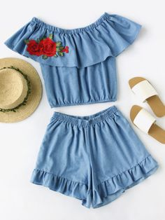 Shop Flounce Boat Neckline Applique Top With Frill Trim Shorts online. SheIn offers Flounce Boat Neckline Applique Top With Frill Trim Shorts & more to fit your fashionable needs. Summer Outfits For Teens, Kids Outfits Girls, Girls Fashion Clothes, Kids Fashion, Girl Outfits, Cute Outfits, Fashion Outfits, Cute Dresses, Casual Dresses