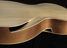 Infinitum - The Archtop Acoustic re-imagined by Maxwell Custom Guitars – 4 of 5