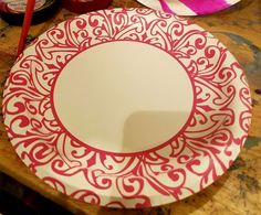 This woman uses a few large paper plates for a genius Christmas idea