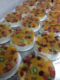 Dessert-Rezepte: 67 Quick Easy & Actually Delicious Dessert Recipe Ideas Your Fa . Jello Cake, Jello Desserts, Jello Recipes, Diet Desserts, Pudding Desserts, Delicious Desserts, Dessert Recipes, Gelatine, Brownie