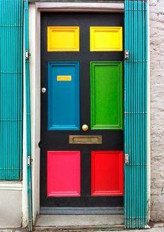 A casa eh sua: Portas coloridas