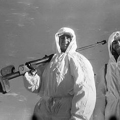 Soviet soldier in snow camo with anti tank rifle, Stalingrad area, pin by Paolo Marzioli