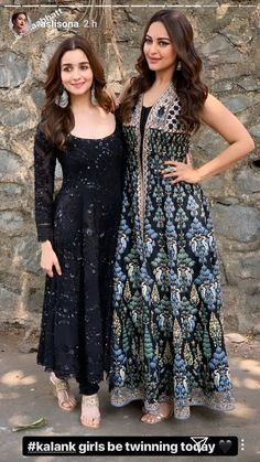 Alia Bhatt and Sonakshi Sinha twin in black as they glam up the Kalank Promotional At the Kapil Sharma show - HungryBoo Salwar Designs, Kurti Neck Designs, Blouse Designs, Anarkali Dress, Pakistani Dresses, Indian Dresses, Western Dresses, Lehenga, Sarees