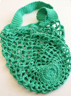 One skein crochet mesh bag. free pattern.