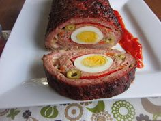 Una pincelada en la cocina: rollo de carne picada relleno Meatloaf Recipes, Meat Recipes, Mexican Food Recipes, Cooking Recipes, Ethnic Recipes, Crazy Kitchen, Good Food, Yummy Food, Peruvian Recipes