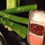 魚楽唐唐 - 料理写真:北海道産のアスパラです